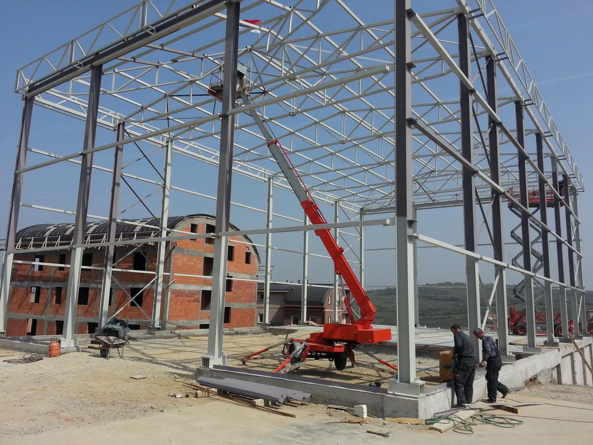 Čelične montažne konstrukcije - hale, projektovanje, izrada i montaža. Bojan Manojlović