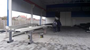 Čelične, metalne montažne konstrukcije - hale, magacini, skladišta, projektovanje, izrada i montaža, montažni magacini, montažne hale, metalne hale, Bojan Manojlović, metalni magacini, Srbija